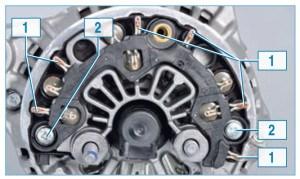 …шесть выводов 1 выпрямительного блока, которые обжимают выводы обмоток статора.