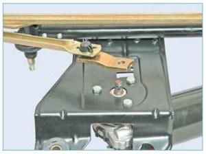 Снимаем кривошип с вала мотор-редуктора