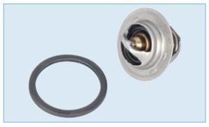 Соединение термостата с крышкой уплотнено резиновой прокладкой.