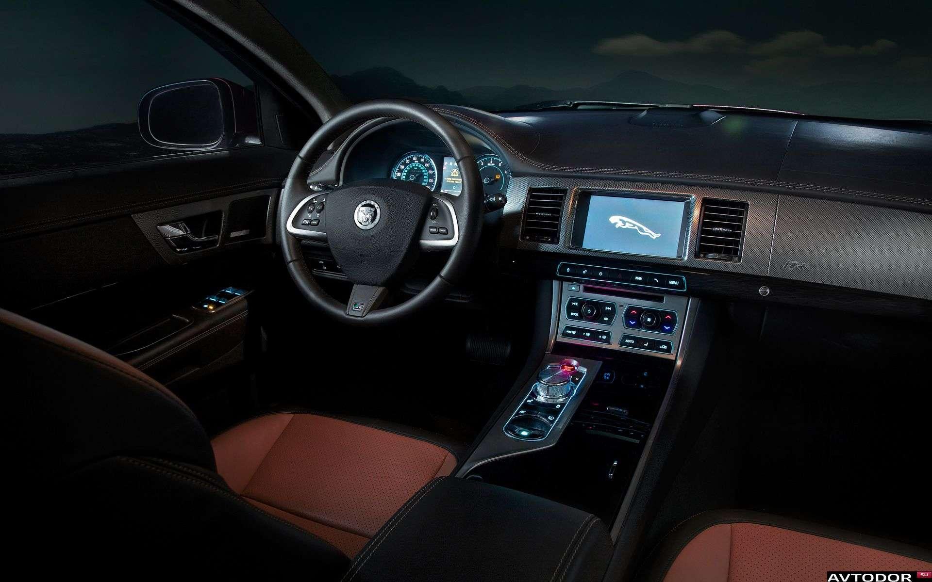Jaguar-XFR-2011-1920x1200-004